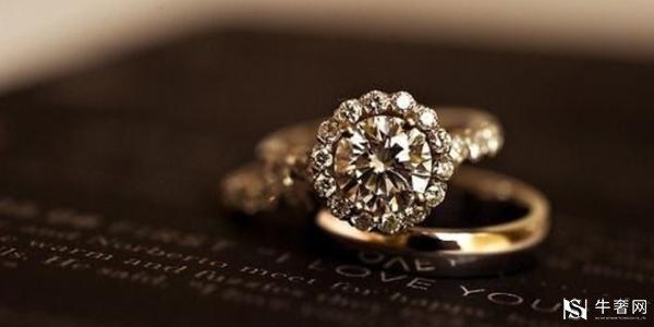 一枚1.02克拉的钻石戒指回收