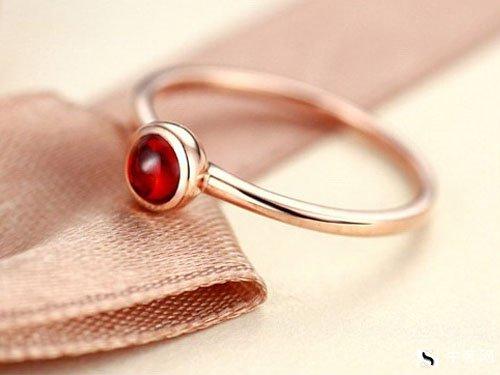 哪里可以回收1克拉的钻石戒指?