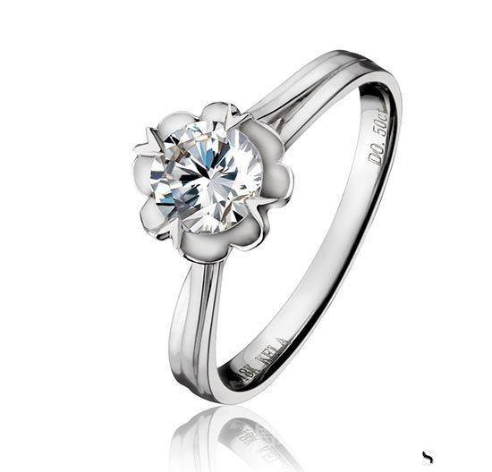 蒂芙尼925银钻石戒指价格一般几折回收?