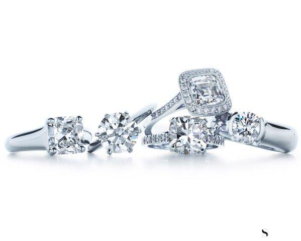 回收克拉钻石戒指